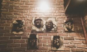 industirell dekor på steampunk bar